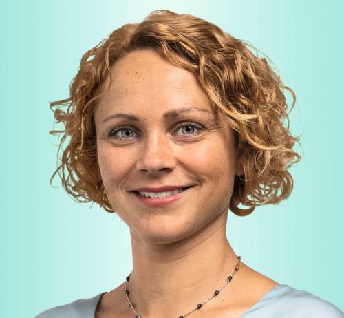 Alexandra Dill